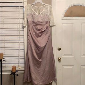 Alfredo Angelo used dress size 16